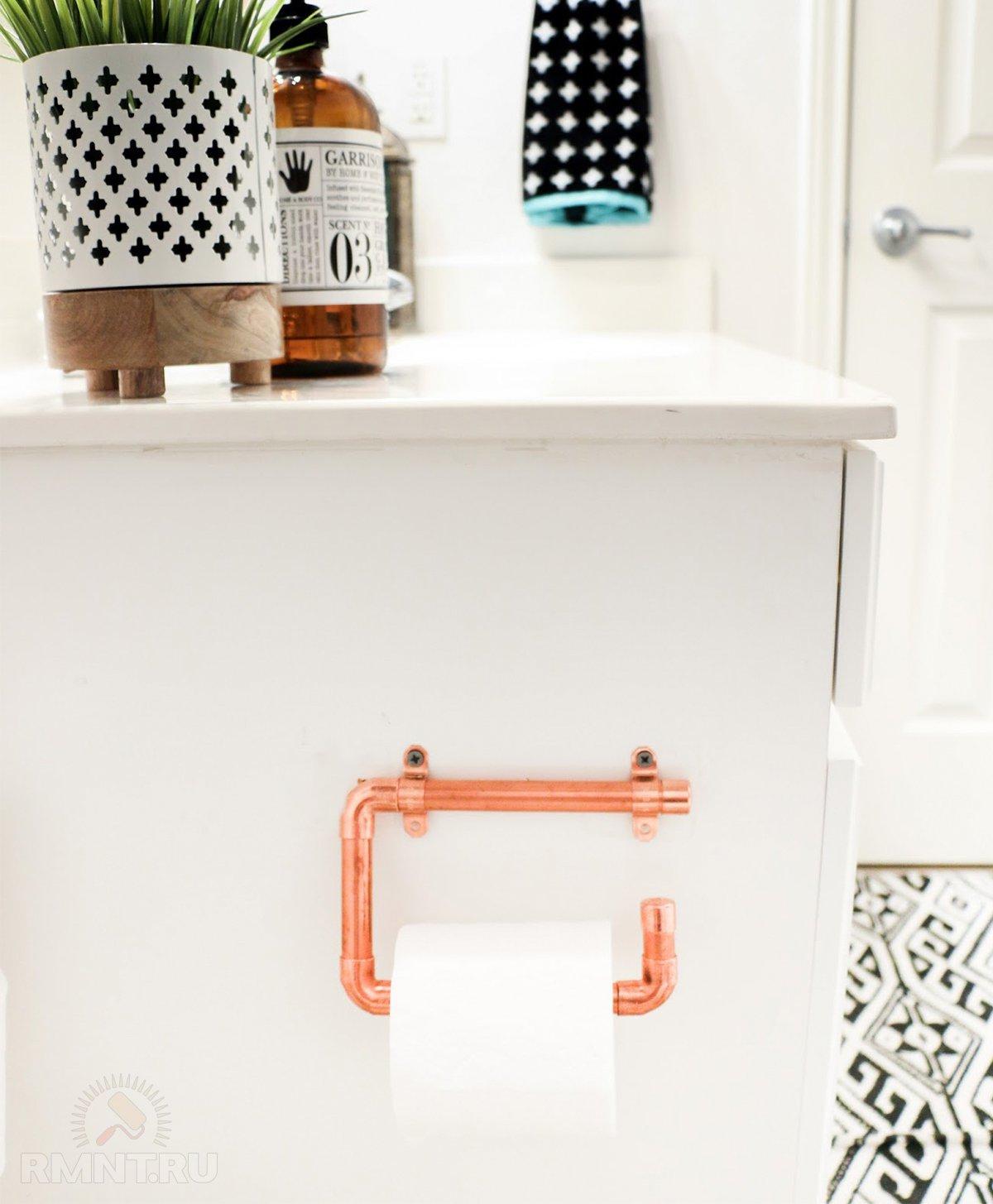 Держатель для туалетной бумаги в интерьере ванной и санузла