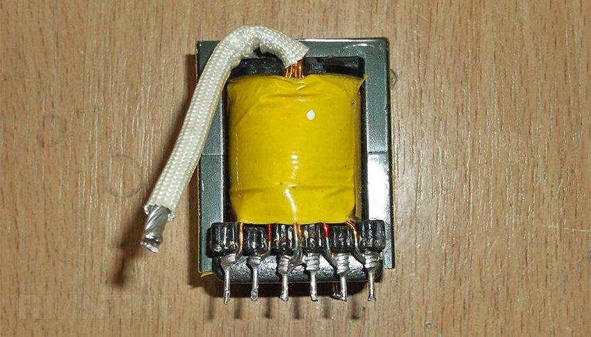 Как сделать инвертор из 12 в 220 из блока питания от компьютера видео - Val-spb.ru