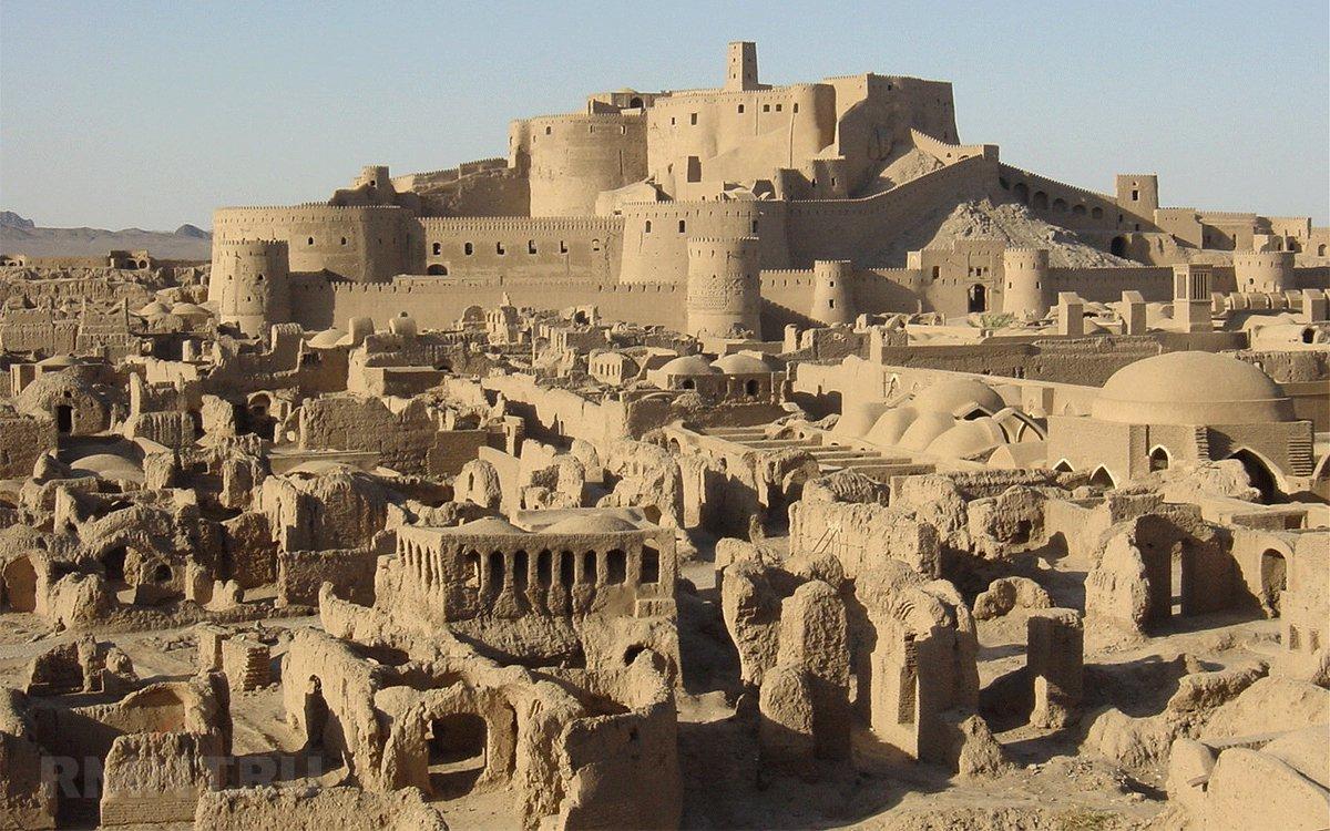 Крепость Арг-е Бам до землетрясения 2003 года