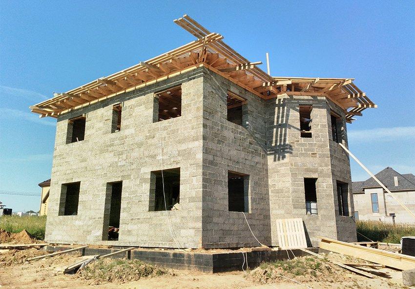 Дом из арболита: плюсы и минусы постройки из арболитовых блоков