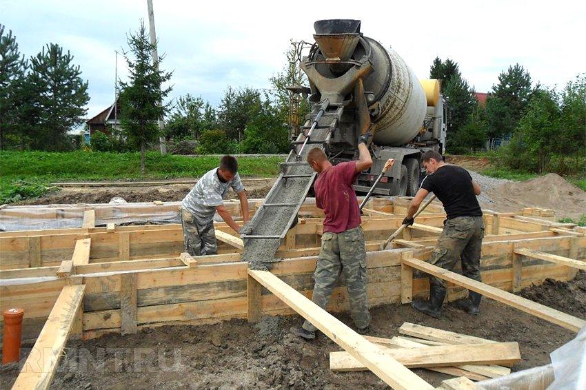 сколько стоит залить фундамент бетоном