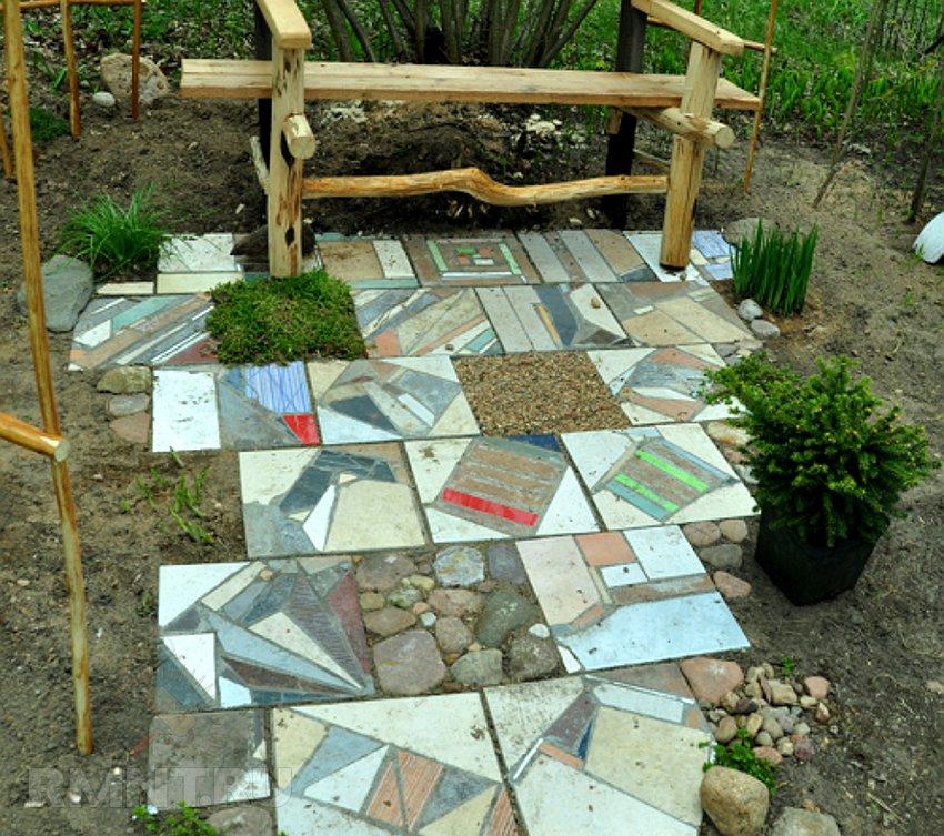 Садовая дорожка своими руками из битой плитки