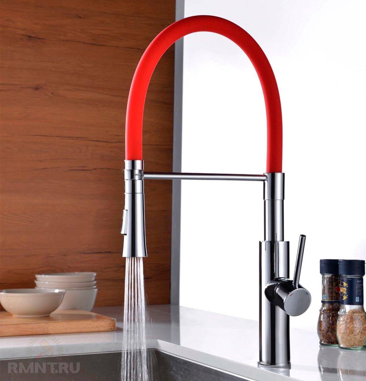 Кухонный смеситель с выдвижной лейкой: особенности, плюсы, минусы