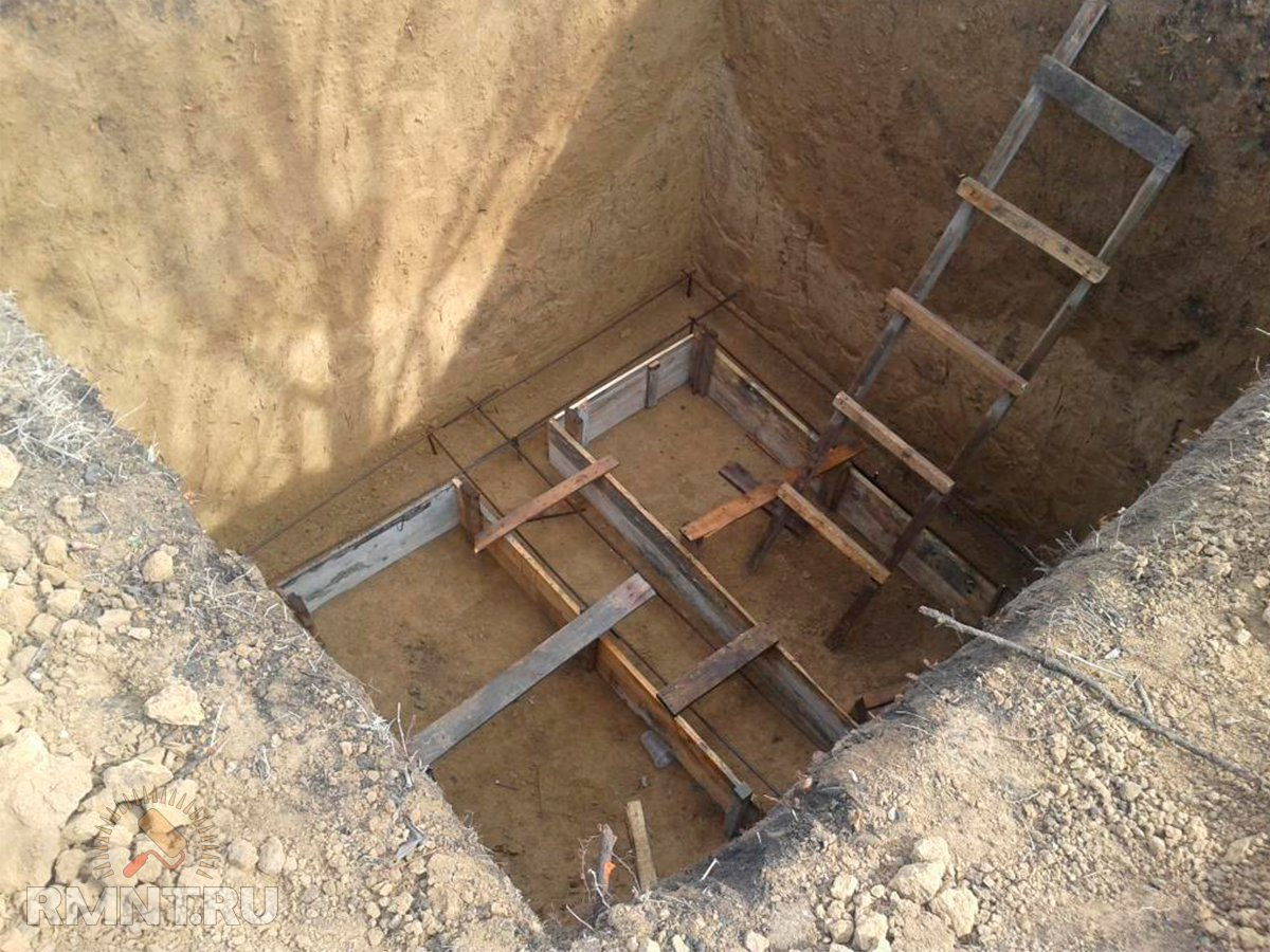 Как выкопать колодец на даче своими руками