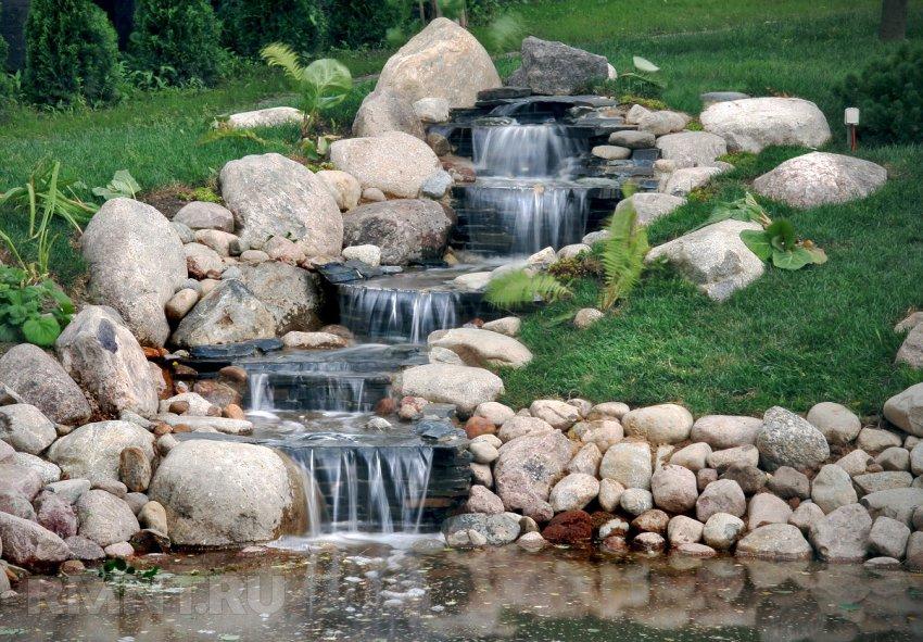 Камни на участке фото
