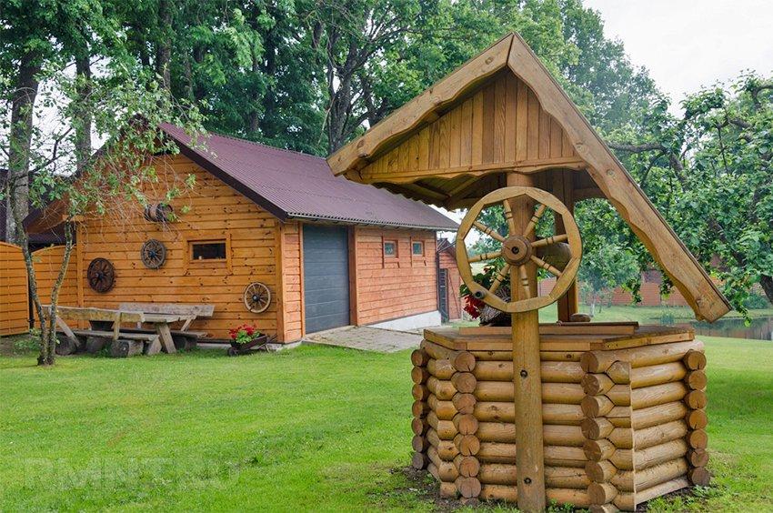 Как сделать домик для колодца на даче своими руками