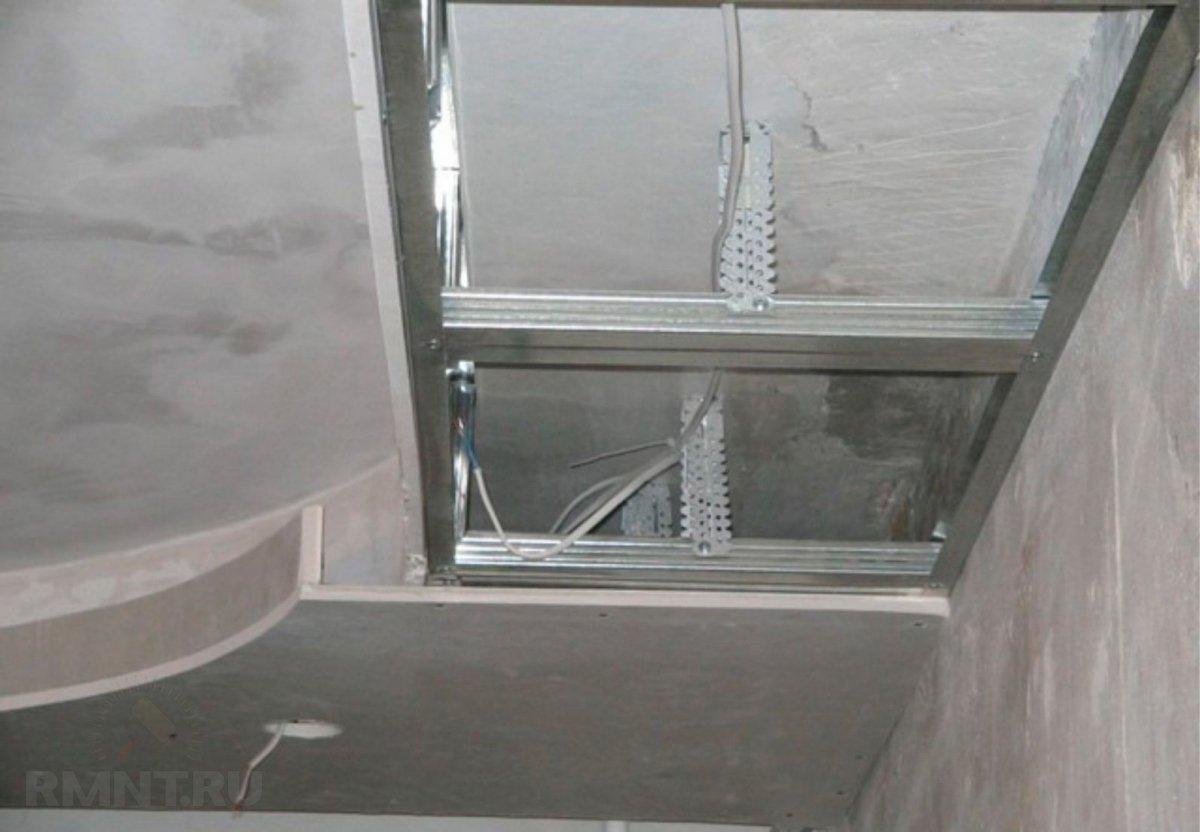 Двухуровневые потолки из гипсокартона с встроенной подсветкой