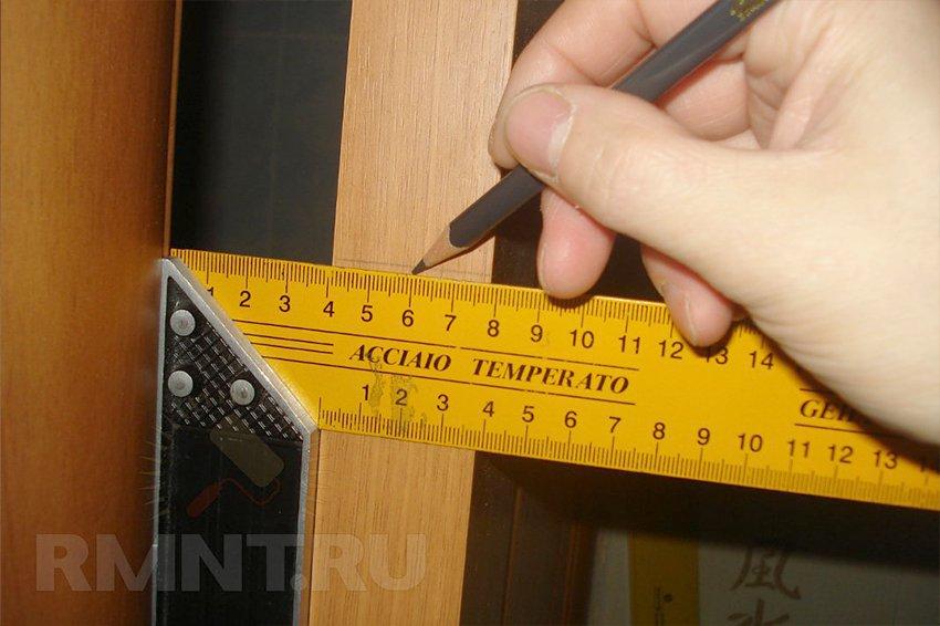 Установка дверной ручки-защелки