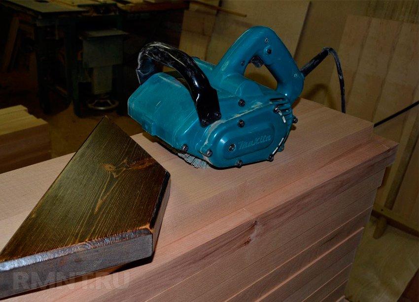 Браширование древесины: подбор щёток и инструмента, обработка дерева своими руками